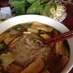 Photo taken at Pho Duy by Janece M. on 5/12/2012
