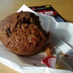 Das Foto wurde bei Blue Chip Cookies von Sara L. am 9/10/2012 aufgenommen