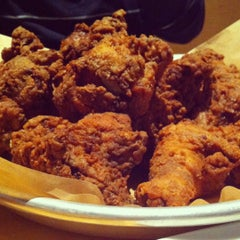 Photo taken at Ma'ono Fried Chicken & Whisky by Tracy C. on 5/20/2012