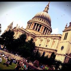 Photo taken at St Paul's Churchyard by Djaia on 8/9/2012