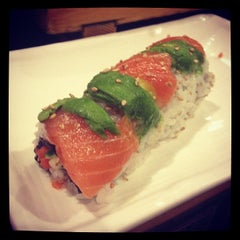 Photo taken at Tomo Sushi by Sarah B. on 8/15/2012
