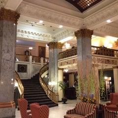 Photo taken at The Seelbach Hilton Louisville by Jeremy L. on 9/4/2012