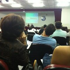 Photo taken at Auditório do Centro Universitário Toledo by Nikinho M. on 3/31/2012