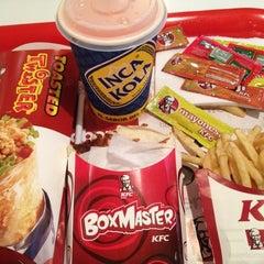 Photo taken at KFC by Jotape E. on 7/31/2012