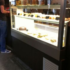 Photo taken at Starbucks by Marcello M. on 5/29/2012