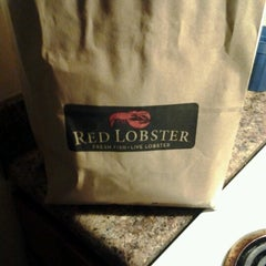 Photo taken at Red Lobster by Troy S. on 7/7/2012
