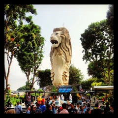 Photo taken at The Merlion (Sentosa) by Dane Z. on 8/20/2012