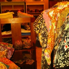 Photo taken at Batik Soga by shinta c. on 5/18/2012