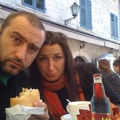 Photo taken at Villa Duomo by Babak F. on 2/23/2012