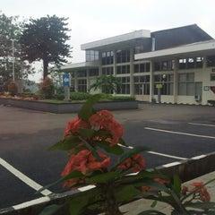 Photo taken at PLN UDIKLAT CIBOGO by Widia R. on 5/1/2012