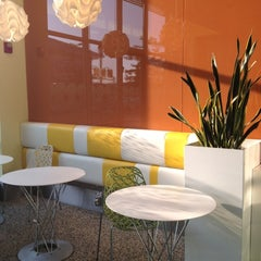 Photo taken at Pinkberry by Susannah F. on 5/27/2012