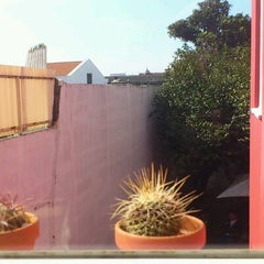 Photo taken at Magnólia Porto Hostel by oliv' p. on 3/30/2012