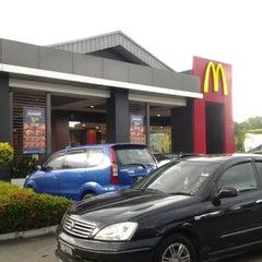 Photo taken at McDonald's by Sara Z. on 8/24/2012