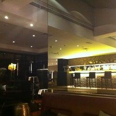 Photo taken at Restaurante Arola Vintetres by Aline A. on 8/17/2012