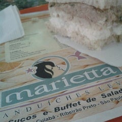Photo taken at Marieta Sanduíches Leves by Nut P. on 9/1/2012