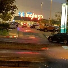 Photo taken at Tienda Inglesa by Sebastian T. on 3/22/2012