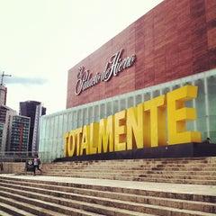 Photo taken at El Palacio de Hierro by León R. on 9/2/2012
