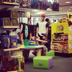 Photo taken at Barnes & Noble by Omar G. on 6/10/2012