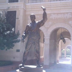 Photo taken at USC School of Cinematic Arts (SCA) by Billy B. on 4/8/2012