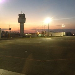 Photo taken at Aeropuerto Internacional de Guanajuato (BJX) by Cuauhtemoc H. on 3/7/2012