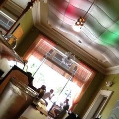 Photo taken at Minato Japanese Restaurant by T.J H. on 7/24/2012