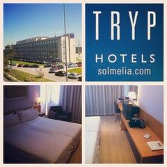Photo taken at Hotel Tryp Barcelona Aeroport by Fabio L. on 4/17/2012