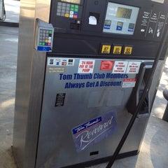 Photo taken at Tom Thumb by Matthew T R. on 4/23/2012