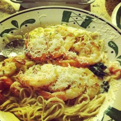 Photo taken at Olive Garden by Ashley R. on 2/26/2012