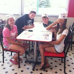 Photo taken at Steak 'n Shake by Karen K. on 7/27/2012