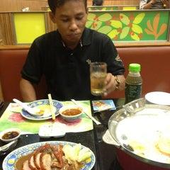 Photo taken at MK Restaurant (เอ็มเค) by Anucha N. on 5/11/2012