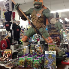 Photo taken at Meltdown Comics and Collectibles by AdaPia D. on 9/6/2012