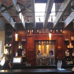 Photo taken at Obed & Isaac's Microbrewery and Eatery by Laura S. on 8/29/2012