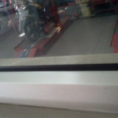 Photo taken at Yamaha Service Motor by Olico S. on 6/30/2012