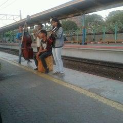 Photo taken at Stasiun Pondok Cina by Aliy N. on 9/11/2012