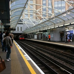 Photo taken at Hammersmith London Underground Station (District and Piccadilly lines) by Lo L. on 7/17/2012