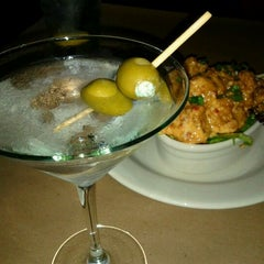 Photo taken at Bonefish Grill by Leo K. on 2/14/2012