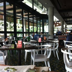 Photo taken at Ocha & Bella by Niken K. on 4/3/2012
