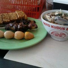 Photo taken at Soto Kudus Blok M by ariynz t. on 7/8/2012