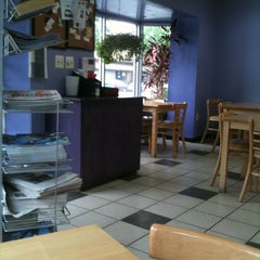 Photo taken at Windows Cafe & Market by Erlie P. on 4/22/2012