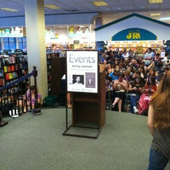 Photo taken at Barnes & Noble by Britton E. on 5/16/2012
