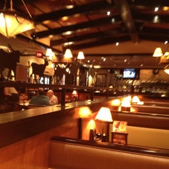Photo taken at LongHorn Steakhouse by Margo B. on 8/14/2012