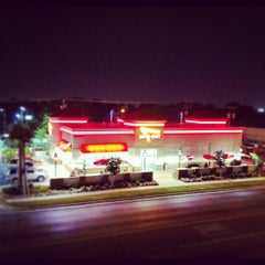 Photo taken at In-N-Out Burger by dane k. on 5/26/2012