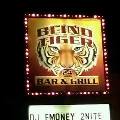 Photo taken at Blind Tiger by Mai Laing F. on 4/20/2012