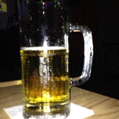 Photo taken at Pick 6 Bar & Grill by Tat A. on 3/30/2012