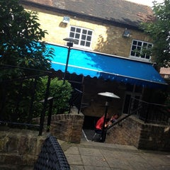Photo taken at The Crown (Wetherspoon) by Alistair on 8/28/2012