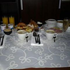 Photo taken at Howard Johnson Hotel La Cañada by German B. on 3/26/2012