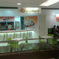Photo taken at Yogoberry Original by Henrique Vinicius #. on 6/23/2012