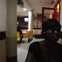 Photo taken at Mr. Biggs (Circle) by Kwame F. on 8/11/2012