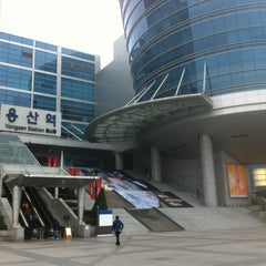 Photo taken at 아이파크몰 (I'Park Mall) by kyungtaek l. on 4/13/2012
