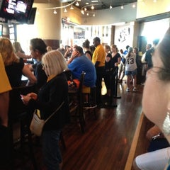 Photo taken at Jerome Bettis' Grille 36 by John L. on 8/15/2012